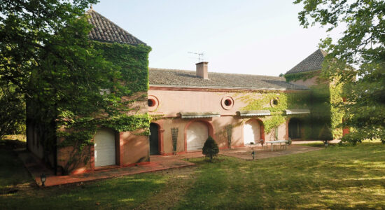 Propriété d'exception sur la commune de Lisle-sur-Tarn – 730000 €